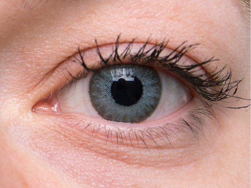 """""""Soft Grey"""" bei einer grauen Augenfarbe"""